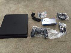 PS4 Slim console 3